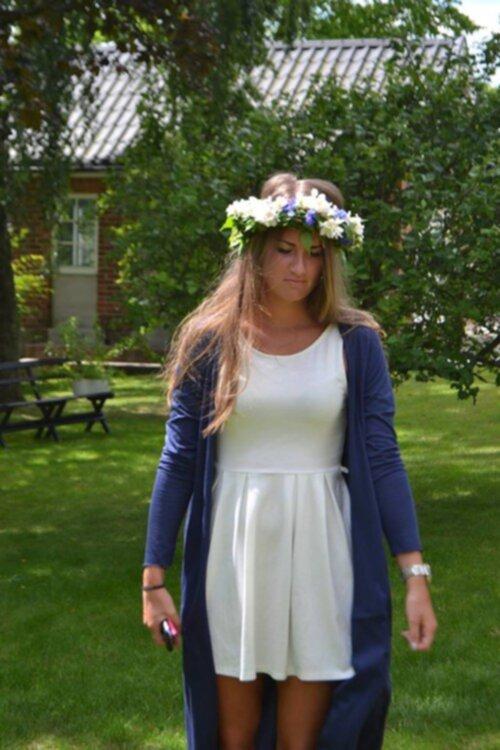 vit kofta till klänning