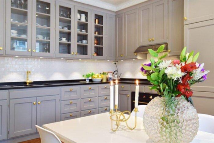 vackra köksluckor : Även köksluckor och möbler är väldigt vackra ...