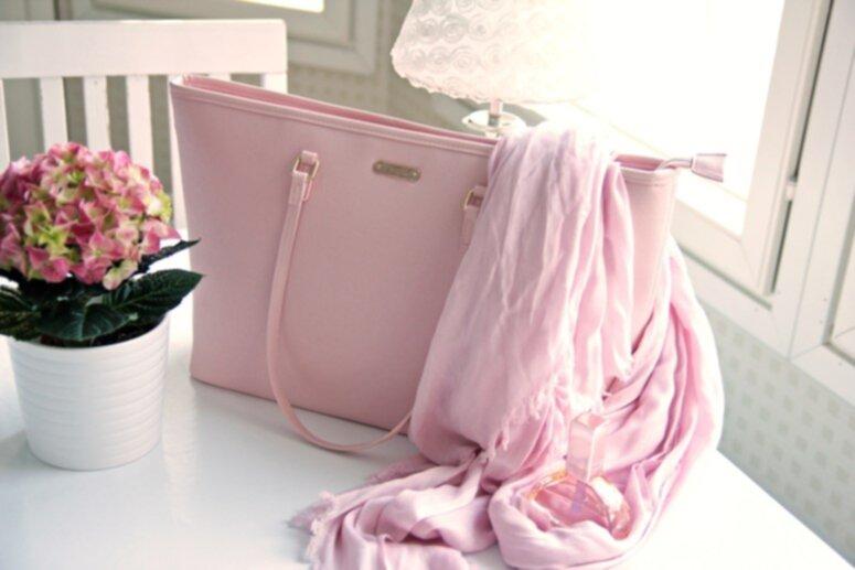 snygga rosa väskor
