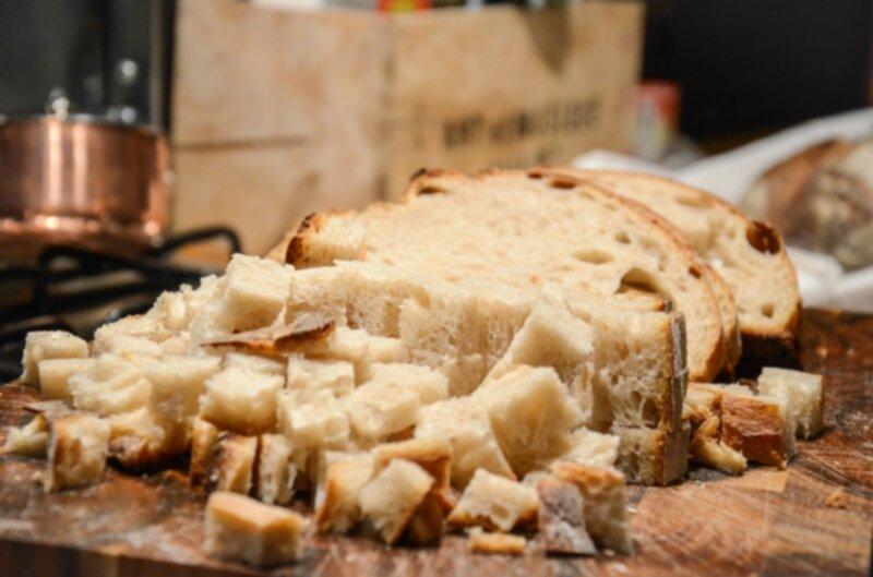 hur gör man bröd