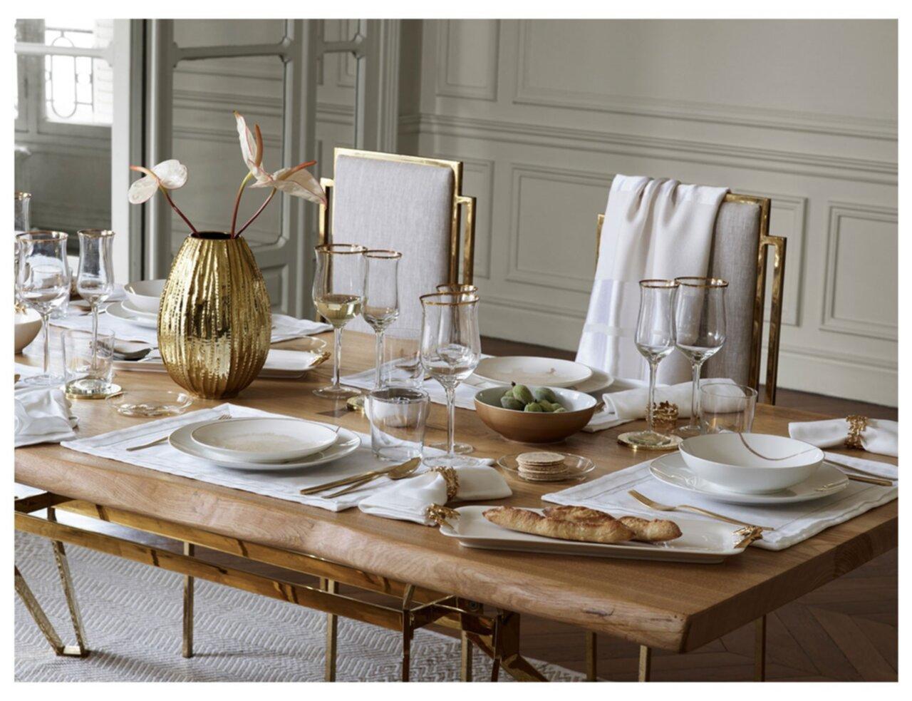 Två bilder från Zara Home´s höstkollektion. Älskar glas med guldkant! Har  redan lagt till det på min Önskelista till jul  ) b6b6dabf544e6