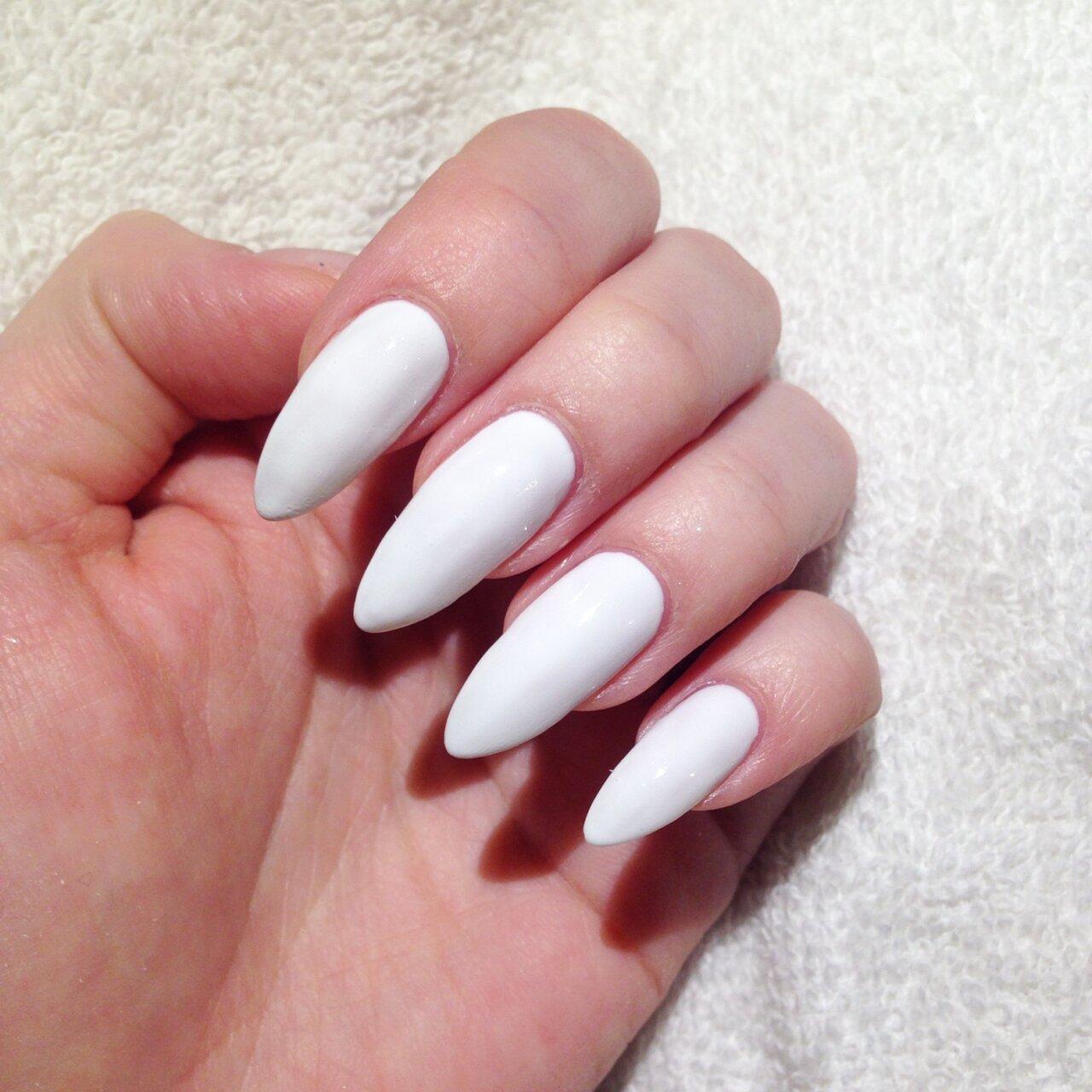 byggda naglar