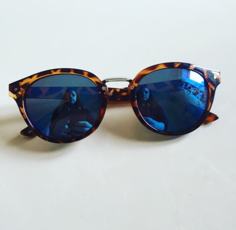 white, stripes & sunglasses