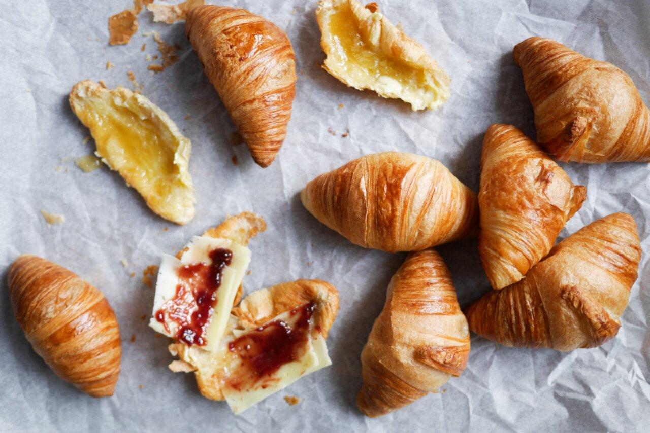 hur äter man croissant