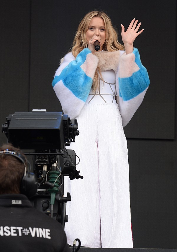 10 outfits vi älskat på Zara Larsson